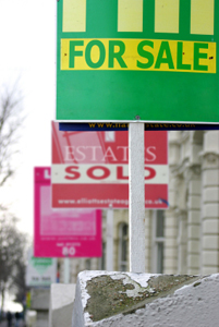 Should Estate Agents be more tightly regulated?