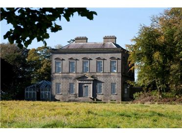 Dowth Hall to be sold at auction
