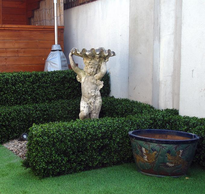 Artificial Landscaping Hedging & Grass (1)
