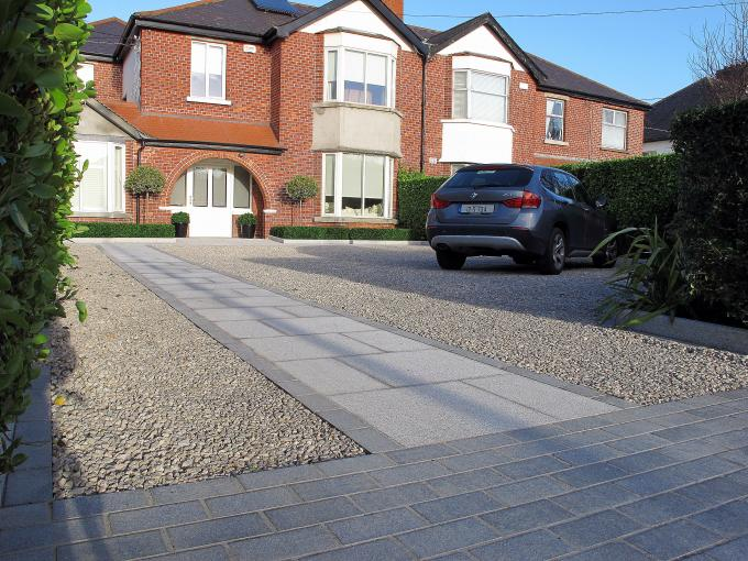 Granite Entrance and Pathway offers very stylish and durable features for the driveway